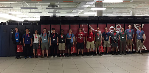 Students in front of the Big Red 2 supercomputer in the IU Bloomington Datacenter